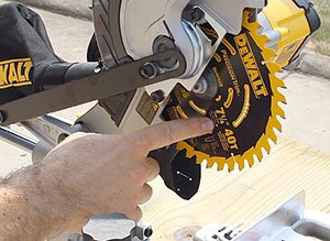 How to Replace the Blade on a Miter Saw Step By Step Guide 2